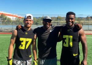 Oregon Ducks Defensive backs #31 Sean Kilpatrick and #37 Michael Manns